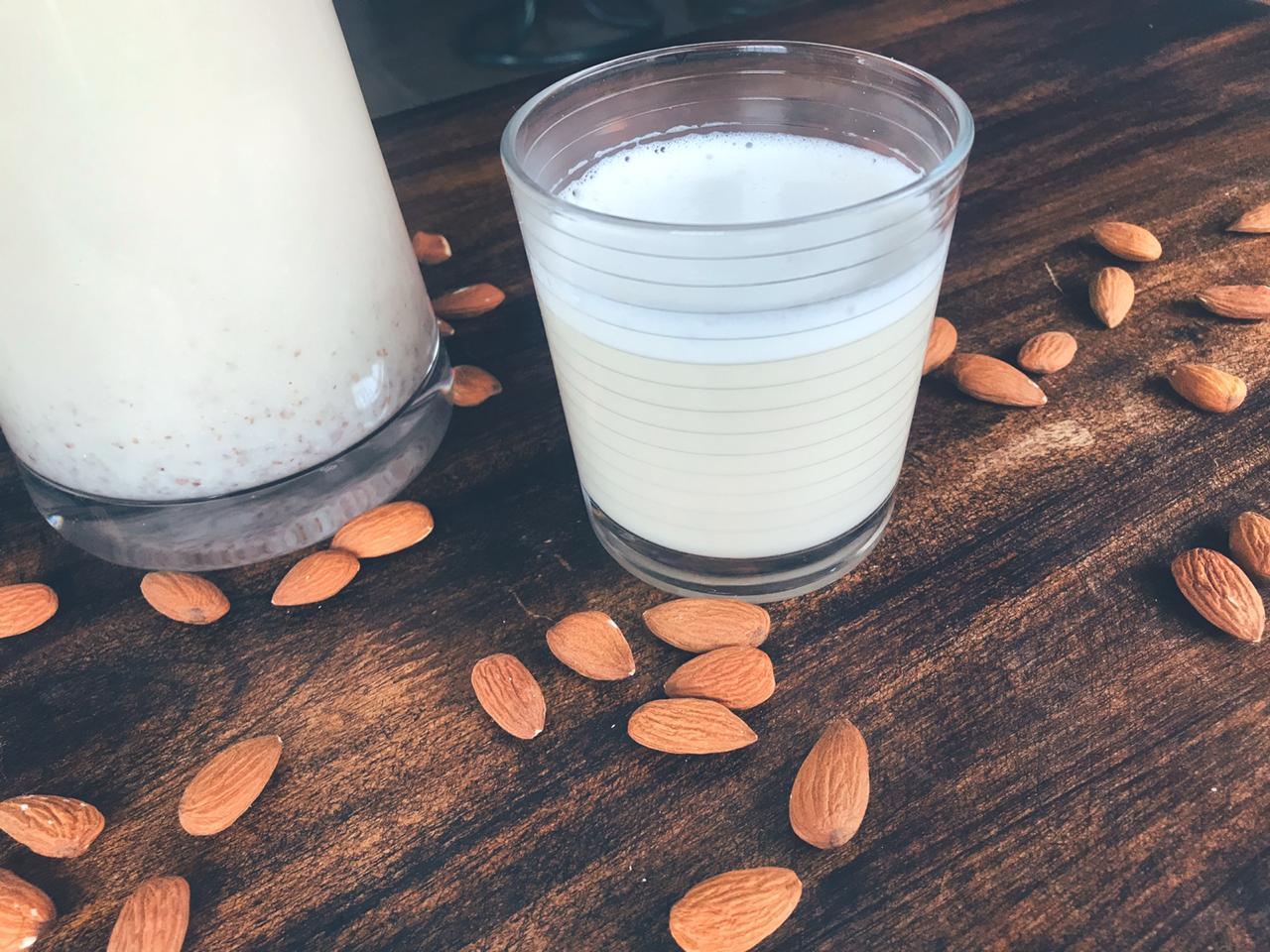 ¿Cómo hacer leche de almendra?